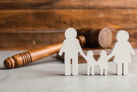 Selon l'ALCR, les proches de victimes ou les victimes de tentative d'enlèvement sont de plus en plus réticents à porter plainte par peur ou par lassitude. © Gabonreview/Shutterstock