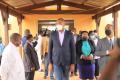 Guy Patrick Obiang entouré des membres de sa délégation, le 1er août au CHR de Mouila. © D.R.