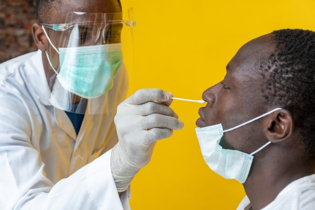 Covid-19 : Dépistages gratuits pour tous sauf les voyageurs    Gabonreview.com   Actualité du Gabon  