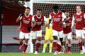 L'international gabonais Pierre-Emerick Aubameyang congratulé par ses coéquipiers après avoir mis fin à sa disette de buts en Première League, le 16 décembre. © D.R.