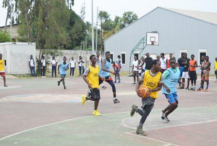 Le président de la Fegabab demande aux autorités de relancer la pratique des sports collectifs au Gabon, dont le basket.© Gabonreview