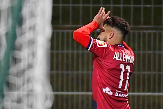 Football: Jim Allevinah pisté par Saint-Etienne