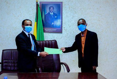 La direction générale de Total et l'Organisation nationale des employés du pétrole ont signé le 26 février, un accord de sortie de crise. © D.R.
