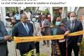 Le post ironique, sur Facebook, d'un journaliste de Gabon Elite Magazine : Julien Nkoghé Békalé (à gauche) et Camélia Ntoutoume-Leclercq, la ministre déléguée à l'Enseignement supérieur, lors d'une inauguration dans le Komo-Mondah. © D.R.