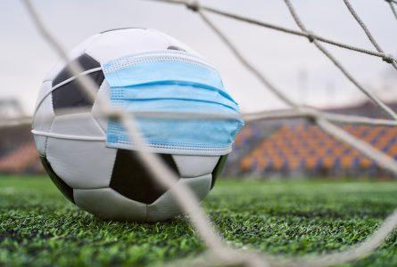 Au Gabon, le championnat de football ne reprendra pas sans la levée des mesures restrictives. © Gabonreview/Shutterstock