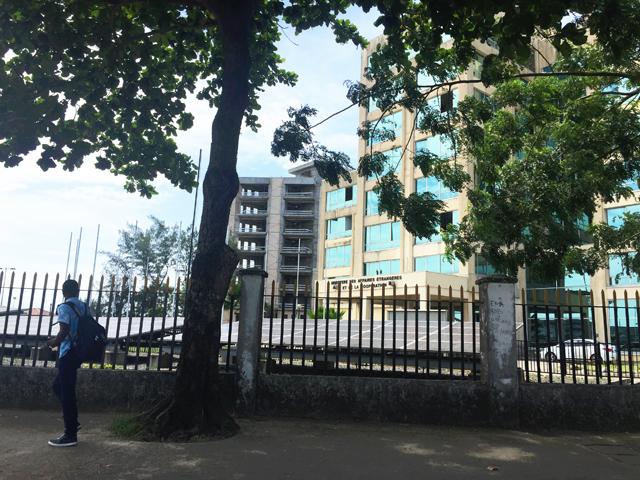 Le ministère des Affaires étrangères, sur le boulevard Triomphal Omar Bongo à Libreville. © Gabonreview