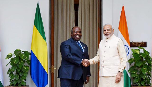 Ali Bongo et Narendra Modi, le Premier ministre Indien, le 28 octobre 2015 à New Delhi. © DCP-Gabon