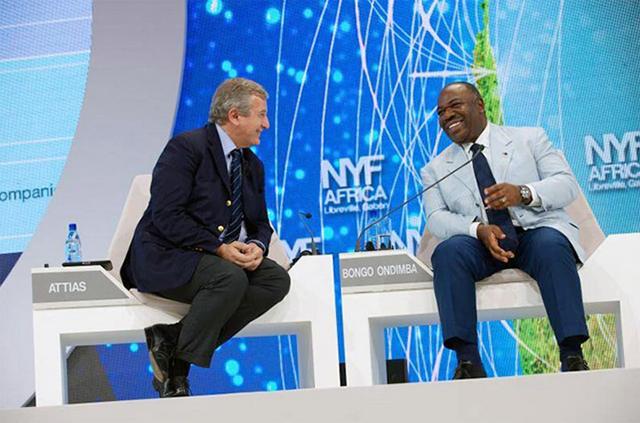 Richard Attias (à gauche) et Ali Bongo ne doivent plus beaucoup s'amuser ces derniers mois. © D.R.
