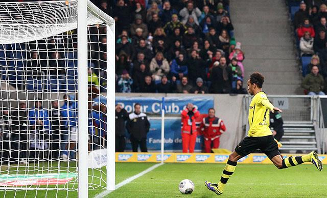 Le Gabonais est désormais le meilleur buteur du championnat allemand. © cfstatic.com