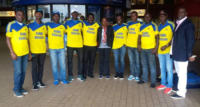 L'équipe nationale de Maracana, à l'aéroport Léon Mba de Libreville, avant le départ pour Abidjan. © Facebook.com/Paulkessany