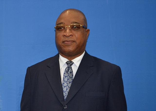 Etienne Ngoubou. L'ancien ministre du Pétrole devrait encore attendre le 30 aout 2018 pour être fixé ou non son sort. © Flickr/SGG