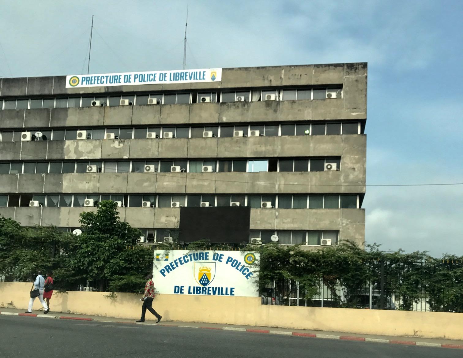 La Préfecture de Police, sur la rue Mont-Bouët à Libreville. © Gabonrevie