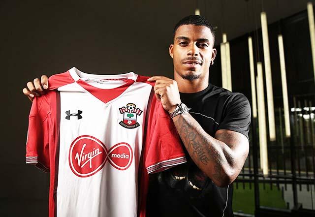 Le Gabonais s'est engagé pour cinq ans avec Southampton. © telegraph.co.uk