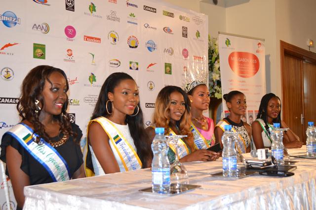 Les six lauréates, le 15 mai 2015. © Gabonreview