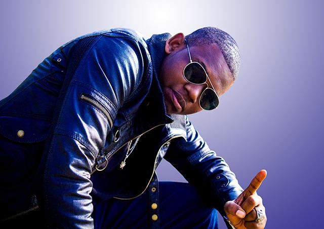 Rachir, le jeune rappeur gabonais qui espère voir «la light». © Sykon Prod