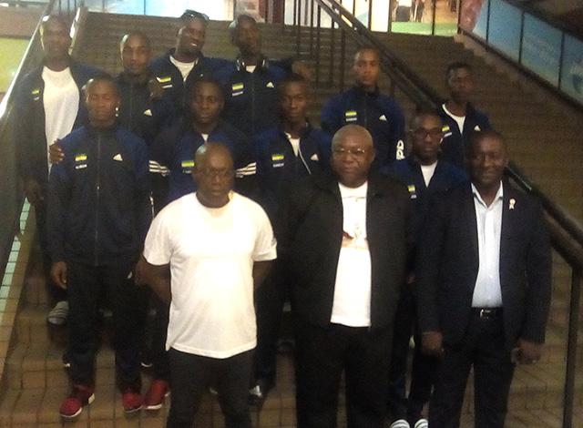 La délégation gabonaise à l'aéroport international Léon Mba,  quelques heures de s'envoler pour le Brésil. © D.R.