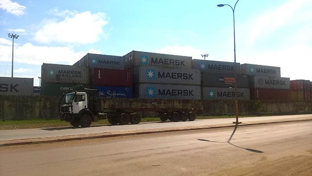 Près de 350 conteneurs bloqués au port de Libreville. © Gabonreview