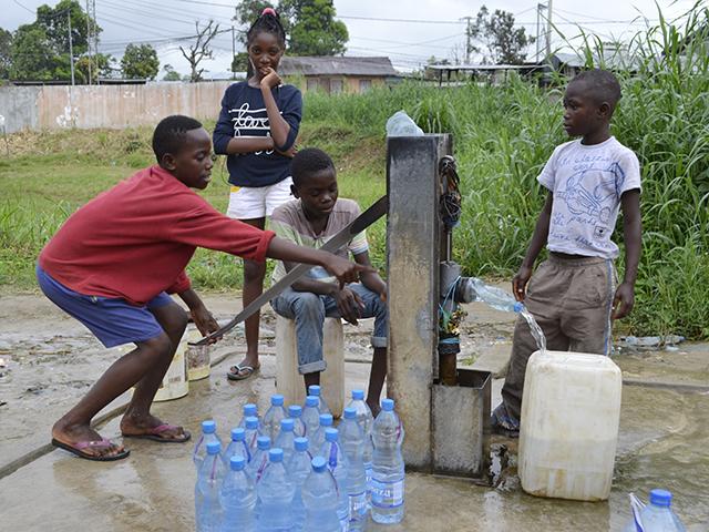 Les pénuries d'eau potable à Libreville devraient encore durer 24 mois. © Gabonreview