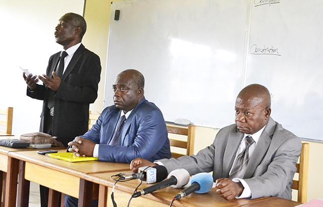 Des membres du bureau du CGLC, dont le Pr Anaclet Ndong Ngoua (ext. droite). © Gabonreview
