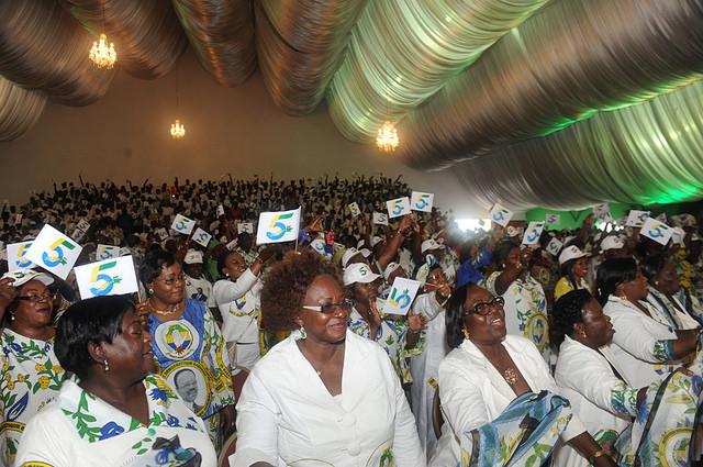 Ferveur des militantes du PDG à la célébration des 5 ans de pouvoir d'Ali Bongo. © DCP Gabon