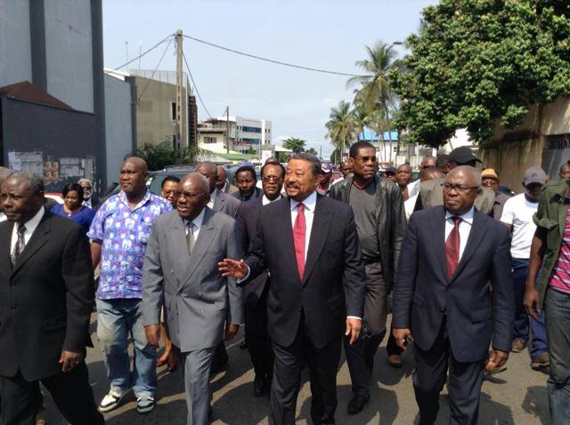 L'arrivée des leaders de l'opposition à la Police judiciaire. © infoskinguélé
