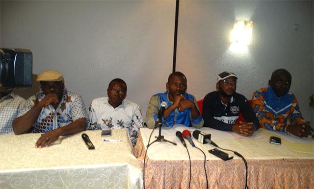 Quelques leaders de la société civile gabonaise lors de déclaration du 17 novembre 2018. © D.R